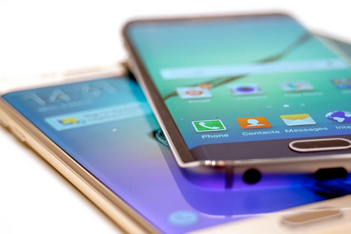 Two Samsung Galaxy S6 Edge devices stacked together. Image credit: TechStage via Flickr