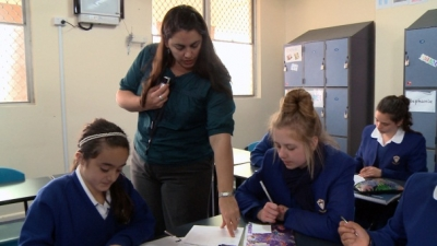 Cerdon College teacher using Soundfield microphone